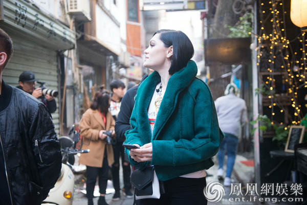 《歌手》Jessie J 长沙街头被围观 逛街感受中国文化