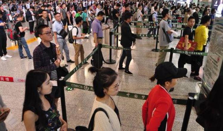 五一假期将至 成都机场预计将有21万多人次出行