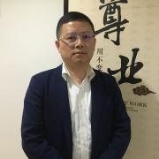 和平区厨具酒店行业用品商会会长吴金龙接受采访