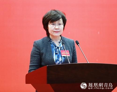 青岛市经济信息化委主任姜波:盯着项目干 围着企业转
