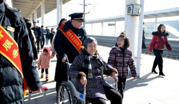 2019年春运石家庄站创新服务方式 让旅客出行更美好