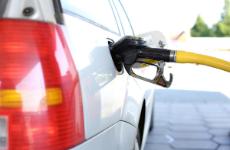 西安油价年内第六次上调 加满一箱油将多花约6元