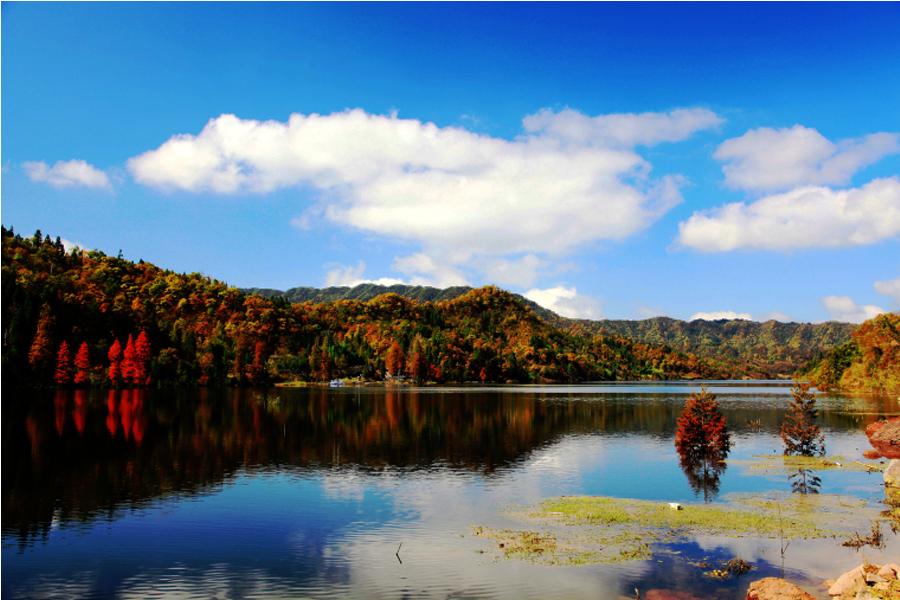 太阳湖秋色
