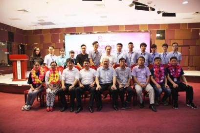 中国万通虚拟现实体验馆对加盟馆开展业务培训