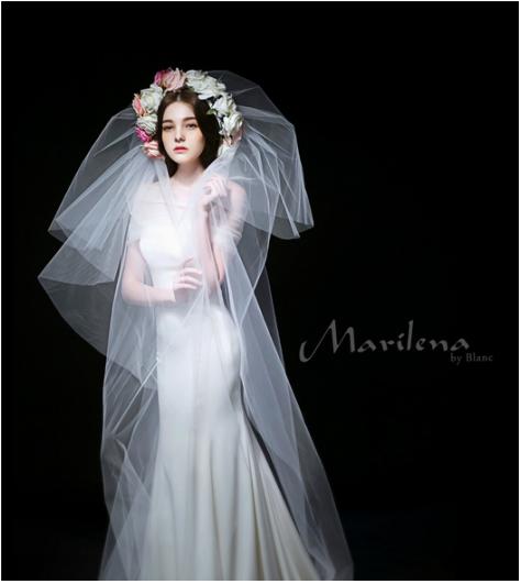 高级婚纱礼服定制:韩国Wedding Only婚纱馆——呈现纯正韩式婚纱魅力 在韩国,Wedding Only婚纱堪称顶级奢侈品牌。Wedding Only婚纱以高贵、奢华、优雅而闻名。复古奢华的设计风格,精湛用心的制作工艺使得韩国Wedding Only婚纱成为韩国最受欢迎婚纱品牌,不仅经常登上各大时尚杂志,也是韩国明星婚礼着装的首选。高俊熙、李珉廷、李多海、朴信惠、韩善花、春子等韩国女星都曾选择Wedding Only做为自己的指定婚纱品牌。除了国明星的极力推荐外,韩国Wed
