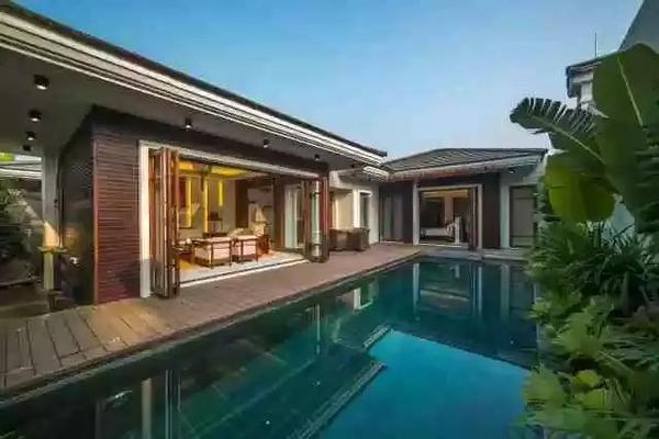 """以""""一墅两池""""为特色,每栋别墅均配有私家游泳池以及"""