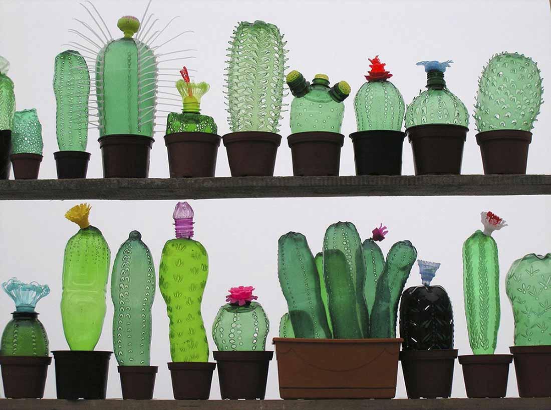 2,用废旧塑料瓶做成的艺术品