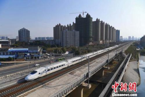 2020年,高铁将覆盖80%以上超100万人口的城市