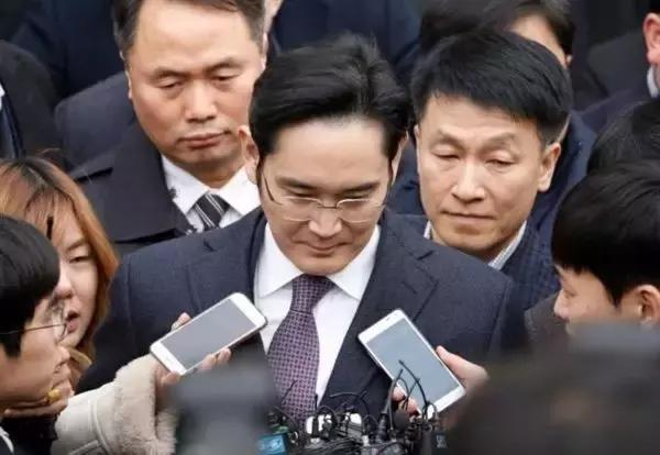 朴槿惠之后,韩国有无新时代|《财经》特别报道