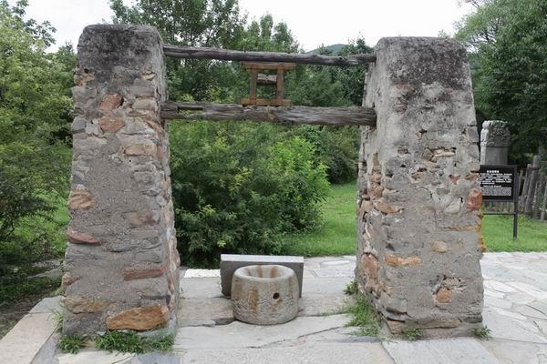 四大名著作者身后事:故居、祠堂、墓地都有吗?