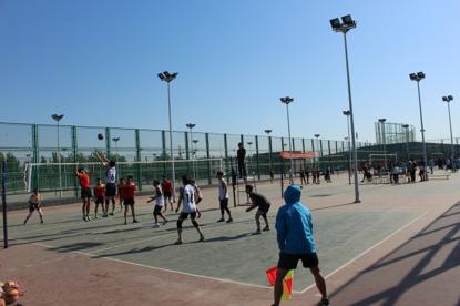 石家庄首届大学生体育文化节排球比赛拉开帷幕