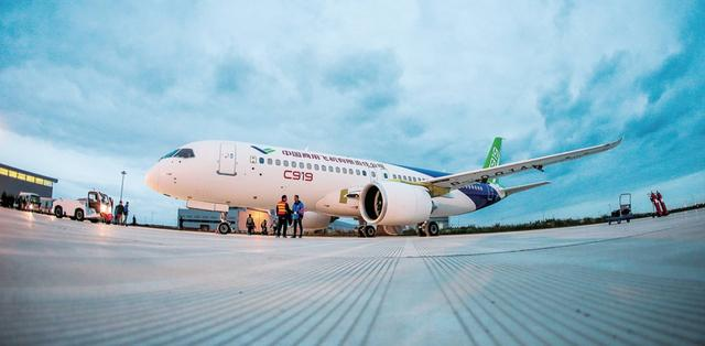 """C919中国只负责""""造了个壳子""""?中国商飞回应"""