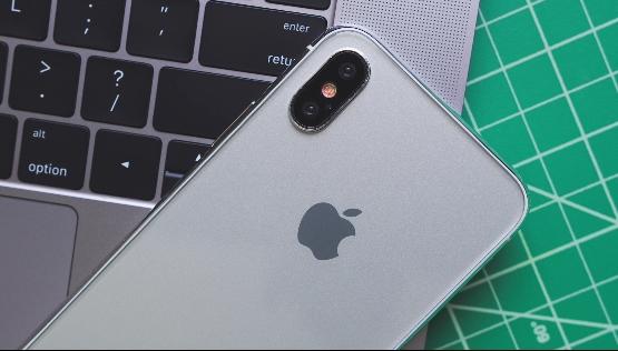 量产就这样!iPhone 8外形体验:真正全面屏手机