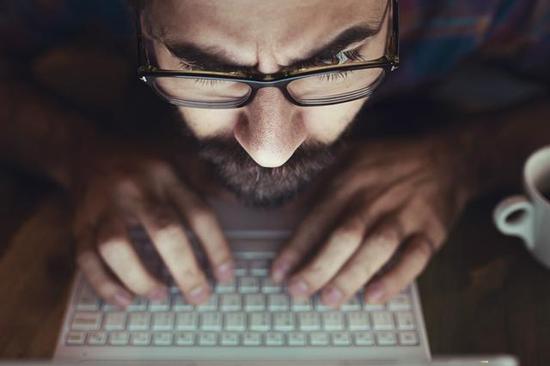 快递员工售个人信息千万条 谁在频繁买卖个人隐私