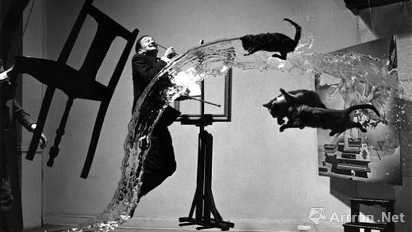 摄影师Philippe Halsman  原子的达利