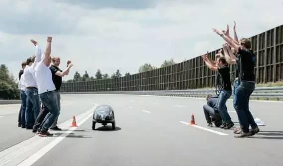 新能源汽车的照片 -5