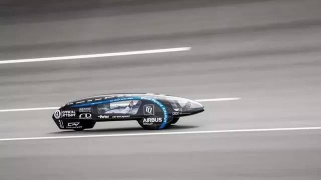 新能源汽车的照片 -12