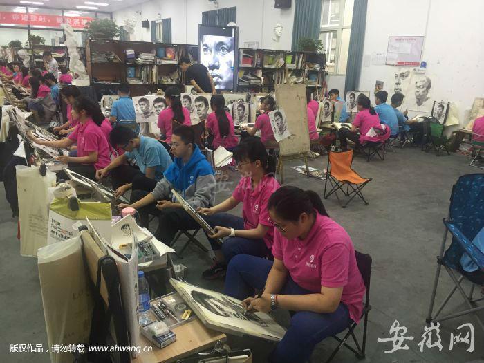 2)殷港小镇内的美术教育