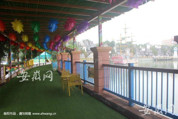 供游客休息观景的长廊