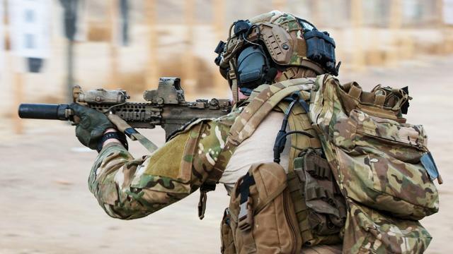 军事枪械--美国特种部队在尼日尔遭伏击 死伤惨重