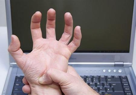 手部局部肌肉无力、萎缩,是渐冻症的初期症状