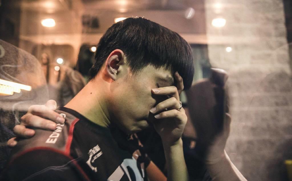 厂长被港媒报道为王者荣耀选手暗示七酱下赛季要转型?