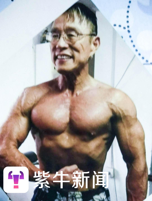 200斤大叔成健美男神 他说每天50个鸡蛋不是重点