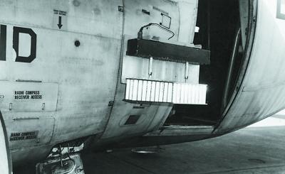 """""""大力水手""""行动中携带降雨催化弹的美军运输机"""