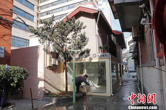上海老里弄建起共享客厅