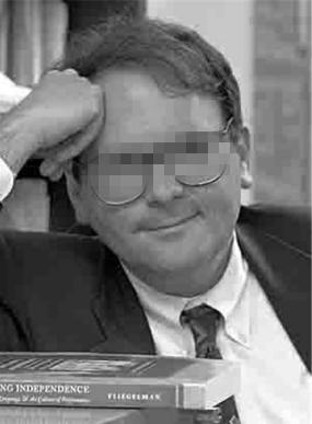 女生曝遭教授强暴 疑部分学校包庇性侵者 - 点击图片进入下一页