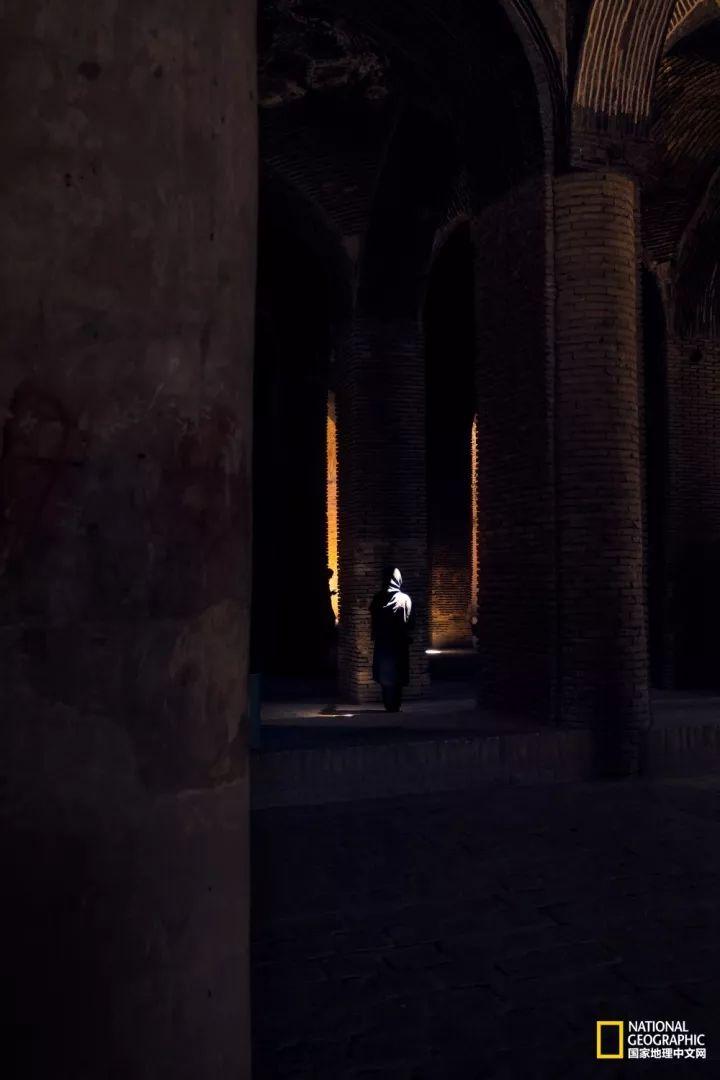 伊朗:走入真实的一千零一夜 看到1396年的波斯灵魂