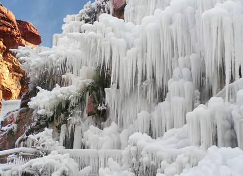 巩义浮戏山冰挂别样美