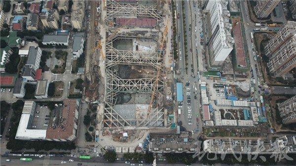 南京在建工地发生大面积塌陷 周边居民被紧急疏散