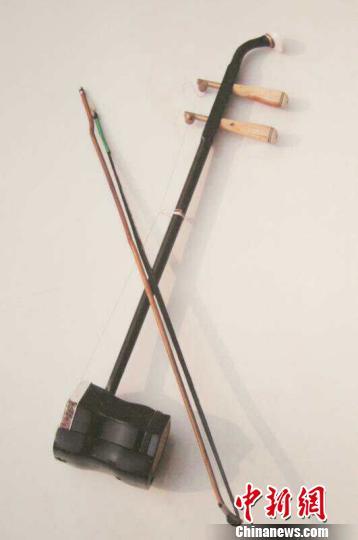 八音会演奏乐器不仅使用板胡、二胡等民间乐器,还使用大量电子琴、电子鼓、架子鼓、铜管乐等西洋乐器。受访者供图