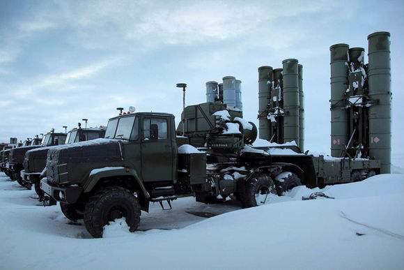 俄军打造极地空军基地网 力图掌握北极制空权