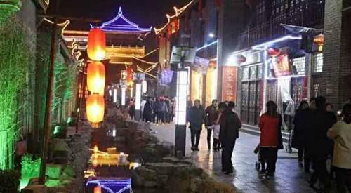 今年春节巩义偃月古城火爆河南