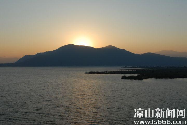 邛海是四川第二大湖泊。