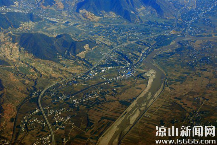 2 西昌平原是安宁河谷平原的中心地带。