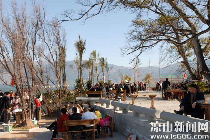 """西昌又被誉为""""小春城"""",每到冬季,从成都、重庆等地来晒太阳的人比比皆是。"""