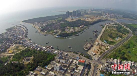 资料图:海南省琼海市以渔业闻名的潭门镇。中新社发骆云飞摄
