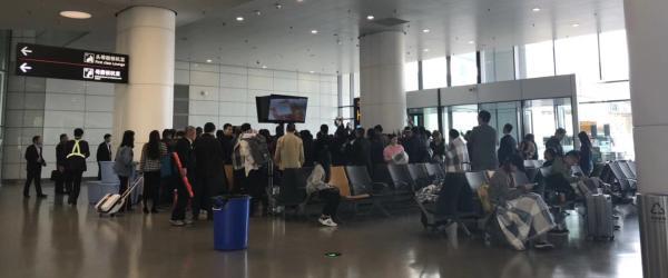 国航航班上男子胁持空姐,系突发精神病