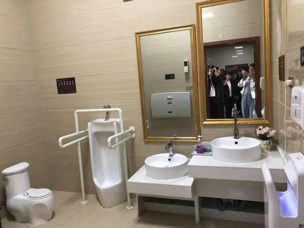 西峡县推进旅游厕所革命惠及城乡