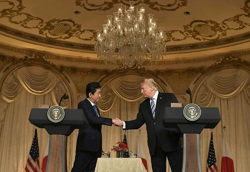 """安倍访美遭""""打脸"""":特朗普不给日本关税豁免"""
