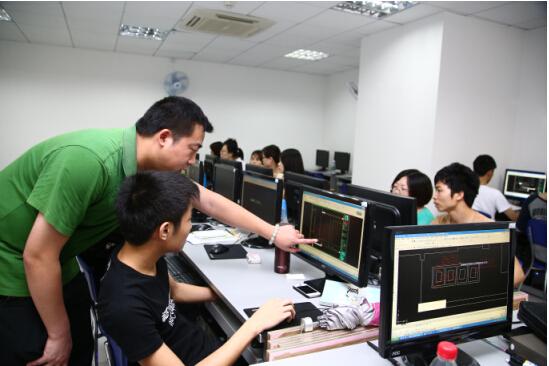 以广州美霖教育的室内设计师培训课程为例,不仅将手绘,cad,3d,方案等