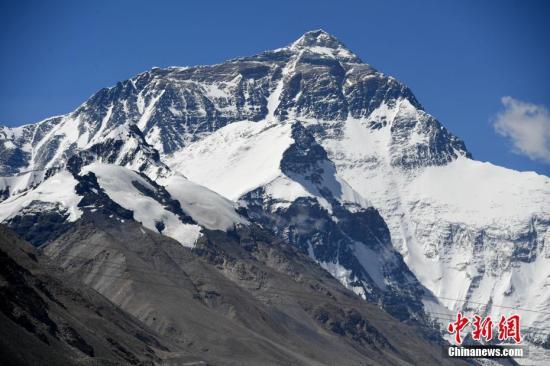 尼泊尔一夏尔巴人第22次登顶珠峰 刷新世界纪录_尼泊尔|珠峰