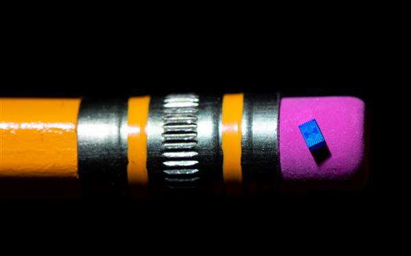 Intel测试最小自旋量子位芯片:只有50nm