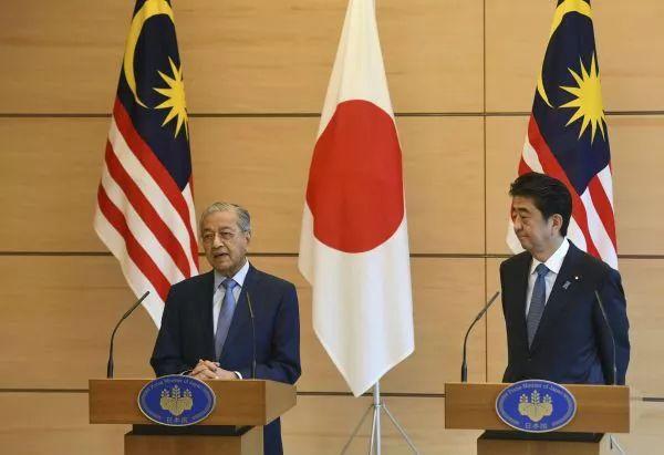 """反转!日本热情拥抱这位新""""反华""""领导人,但他却……"""