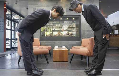 日本报纸一个月出现40多个道歉广告,来看看日本人到底怎么回事