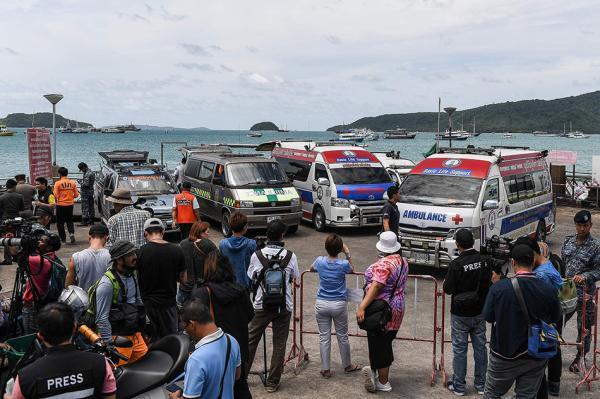 泰国副总理:将对普吉岛沉船船长采取法律行动