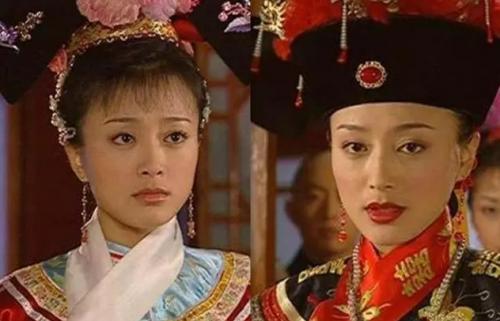 02年21岁的秦岚参演了由古巨基、黄奕等主演的《还珠格格3》,剧